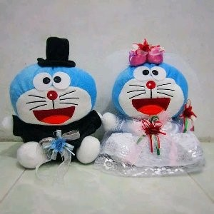 boneka doraemon couple